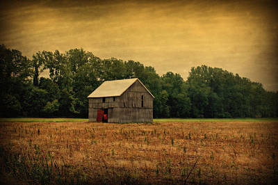Photograph - Old Barn by Sandy Keeton