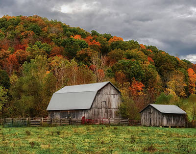 Photograph - Old Barns Of Beauty In Ohio  by Richard Kopchock