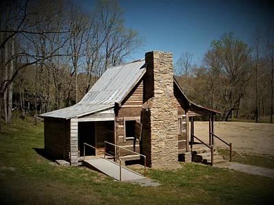 Photograph - Old Cabin by Glenda Barrett