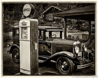 Photograph - Old Car @ Gas Station by Mark Peavy