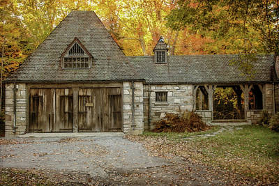 Maine Farms Mixed Media - Old Carriage House 2 by Terry Davis