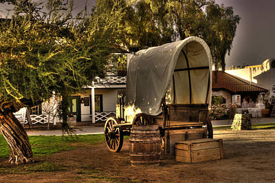 Chuck Wagon Photograph - Old Chuck Wagon by Frank Garciarubio