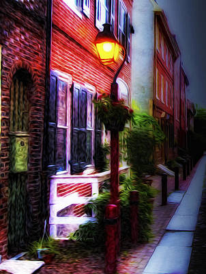 Streetlight Photograph - Old City Streets - Elfreth's Alley by Bill Cannon