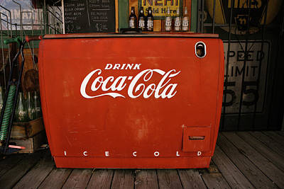 Coca-cola Antique Ice Chest Photograph - Old Coca-cola Chest by Marilyn Hunt