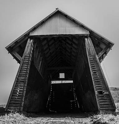 Photograph - Old Corn Crib by Amber Kresge
