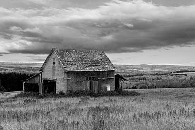 Art Print featuring the photograph Old Country Barn by Gary Smith