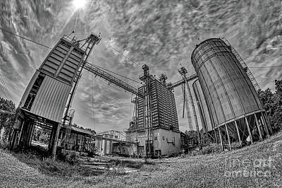 Photograph - Old Deserted Mill In North Carolina Bw by Dan Carmichael