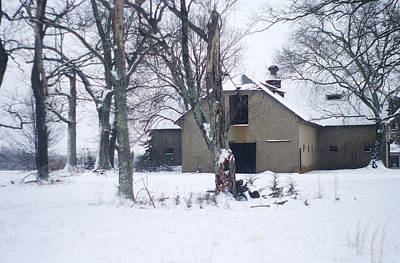 Photograph - Old Edwardian Barn In The Winter Snow by Suzanne Powers