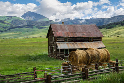 Photograph - Old Farm House And Teocalli Mountain by Aaron Spong