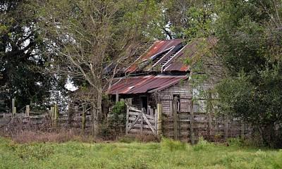 Photograph - Old Farmhouse Abandoned by rd Erickson