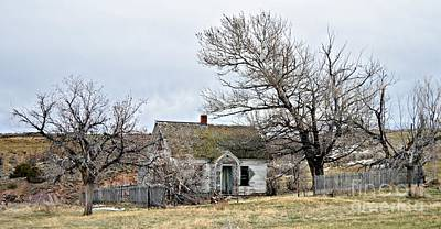 Photograph - Old Farmhouse by Chalet Roome-Rigdon
