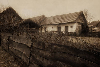 Photograph - Old Farmhouse by Peter Fodor