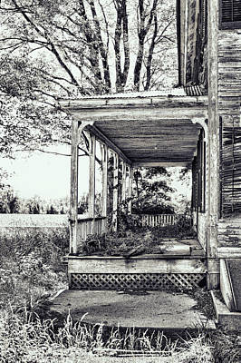 Overgrown Photograph - Old Farmhouse Porch by HD Connelly