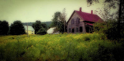 Photograph - Old Farmhouse - Woodstock, Vermont by Samuel M Purvis III