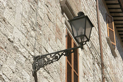 Photograph - Old-fashioned Street Lamp by Fabrizio Ruggeri