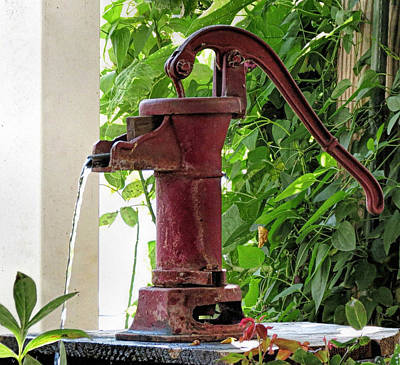Photograph - Old Fashioned Water Pump by Janice Drew