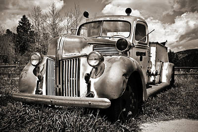 Photograph - Old Firetruck by Marilyn Hunt