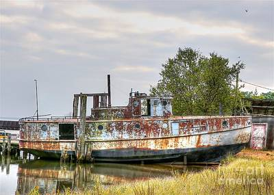Photograph - Old Fishing Boat by Robert Pearson