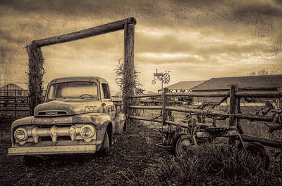 Photograph - Old Ford At The Farm by Don Schwartz