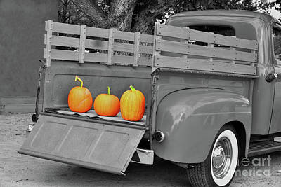 Photograph - Old Ford Truck With Pumpkins by Barbara Milton