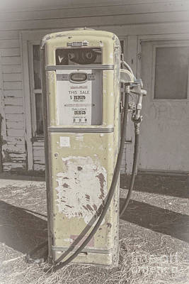 Photograph - Old Gas Pump by Robert Bales