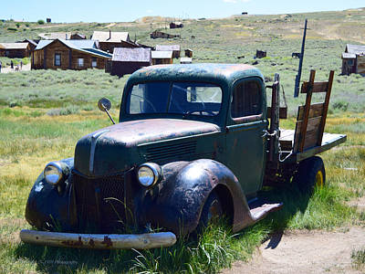 Photograph - Old Green Truck by Sandra Lynn