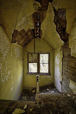 Photograph - Old House 1 by Roger Snyder