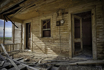 Photograph - Old House 14 by Roger Snyder