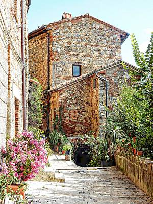 Photograph - Old House Cetona by Dorothy Berry-Lound