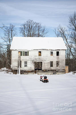 Abandoned Houses Photograph - Old House In The Snow Springfield New Hampshire by Edward Fielding