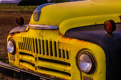 Aging Photograph - Old International Pickup by Garry Gay