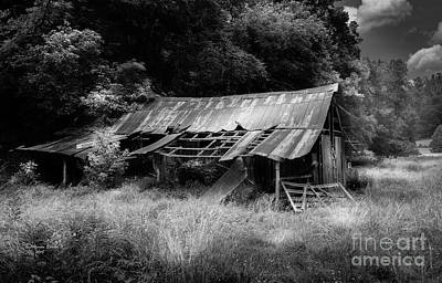 Photograph - Old Kentucky Barn by Marvin Spates