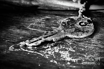 Photograph - Old Key by Susan Cliett