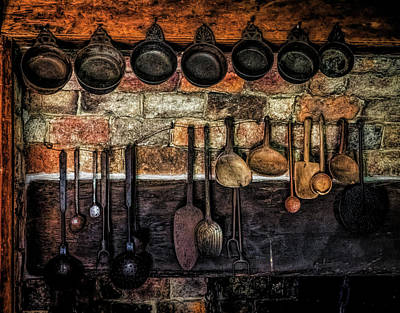 Photograph - Old Kitchen by Lilia D