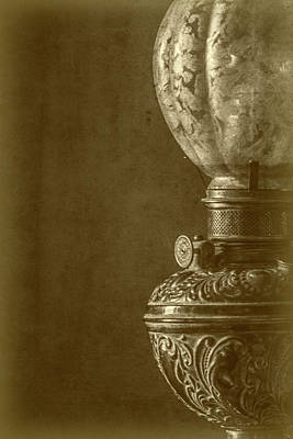 Luminaire Photograph - Old Lamp by Ignacio Leal Orozco