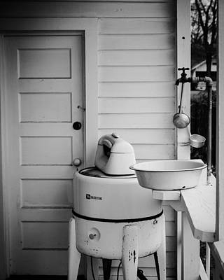 Photograph - Old Maytag Washer by Rodney Lee Williams