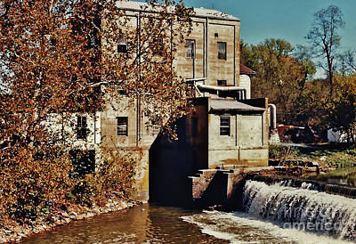 Photograph - Old Mill In Autumn by D Hackett