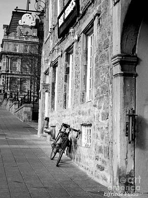 Photograph - Old Montreal by Elfriede Fulda