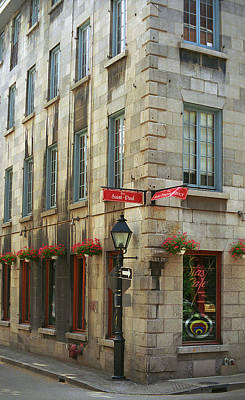 Old Montreal Photograph - Old Montreal by Frank Romeo