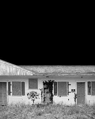 Photograph - Old Motel, Cape Cod by Brooke T Ryan