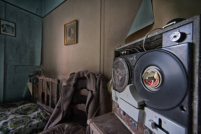 Old Home Place Photograph - Old Music - Urban Exploration by Dirk Ercken