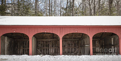 Classic New England Barns Photograph - Old New England Carriage Barn by Edward Fielding