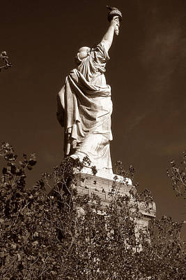 Photograph - Old New York Photo - Statue Of Liberty by Peter Potter