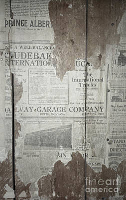 Vintage Wallpaper Photograph - Old News by Richard Rizzo