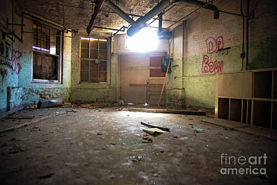 Photograph - Old Paint Shop by Randall Cogle