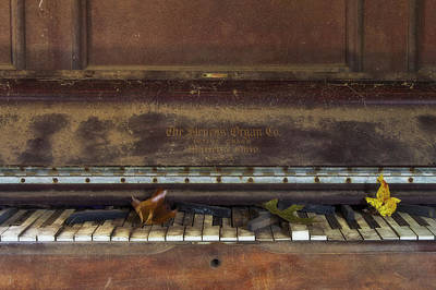 Photograph - Old Piano by Rene Pronk