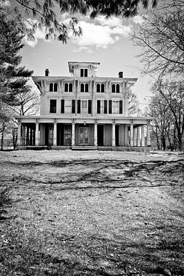 Photograph - Old Plantation Home by Colleen Kammerer
