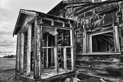 Photograph - Old Prairie Home by Theresa Tahara