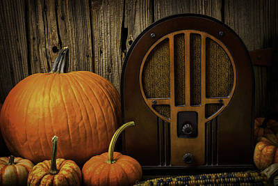 Old Radio Photograph - Old Raido And Pumpkins by Garry Gay