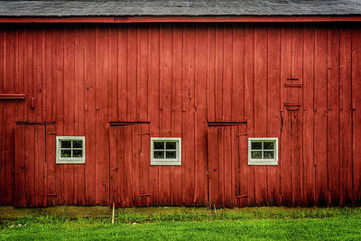 Photograph - Old Red Barn Dsc05911 by Greg Kluempers